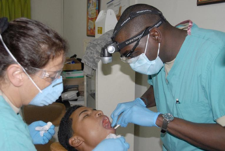 Main reasons to see a dentist in a regular manner for better oral health