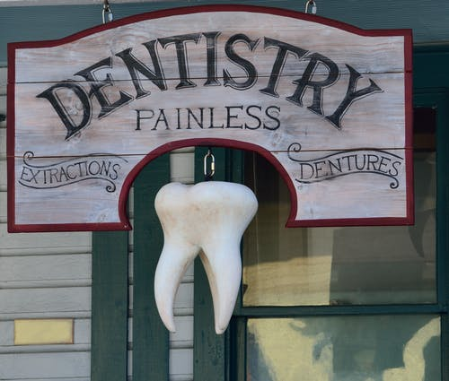 The main tips to know when you want to maintain dental care